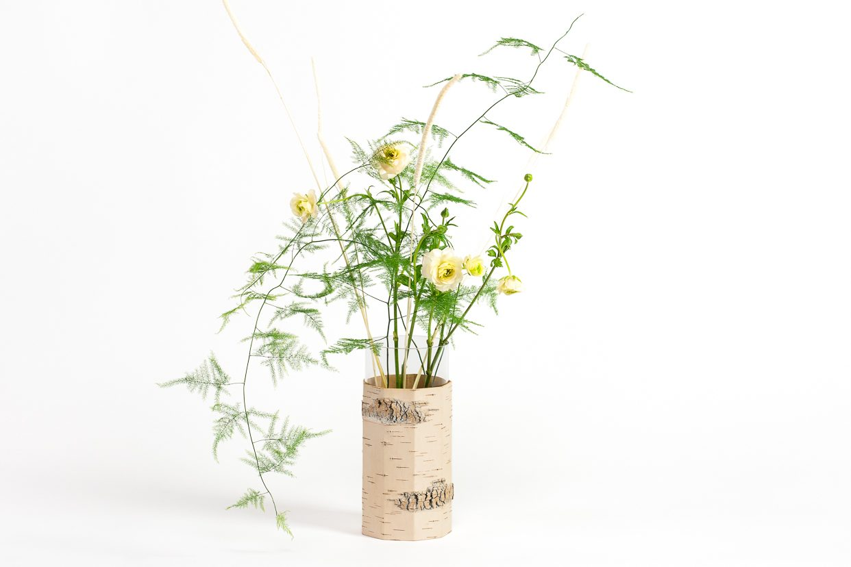 eco-friendly-wedding-decoration-with-natural-accessories-made-of-birch-bark-vase-sustainable-MOYA